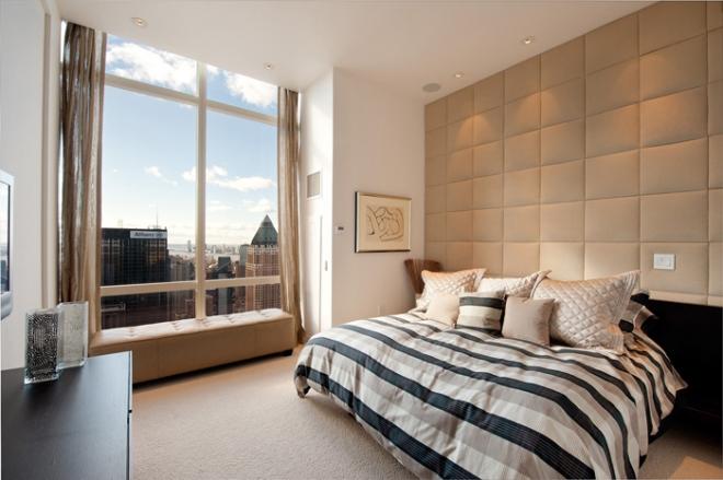 Большие и широкие стеклопакеты в спальне