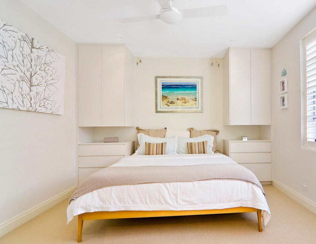 Спальня 16 кв м в светлых тонах