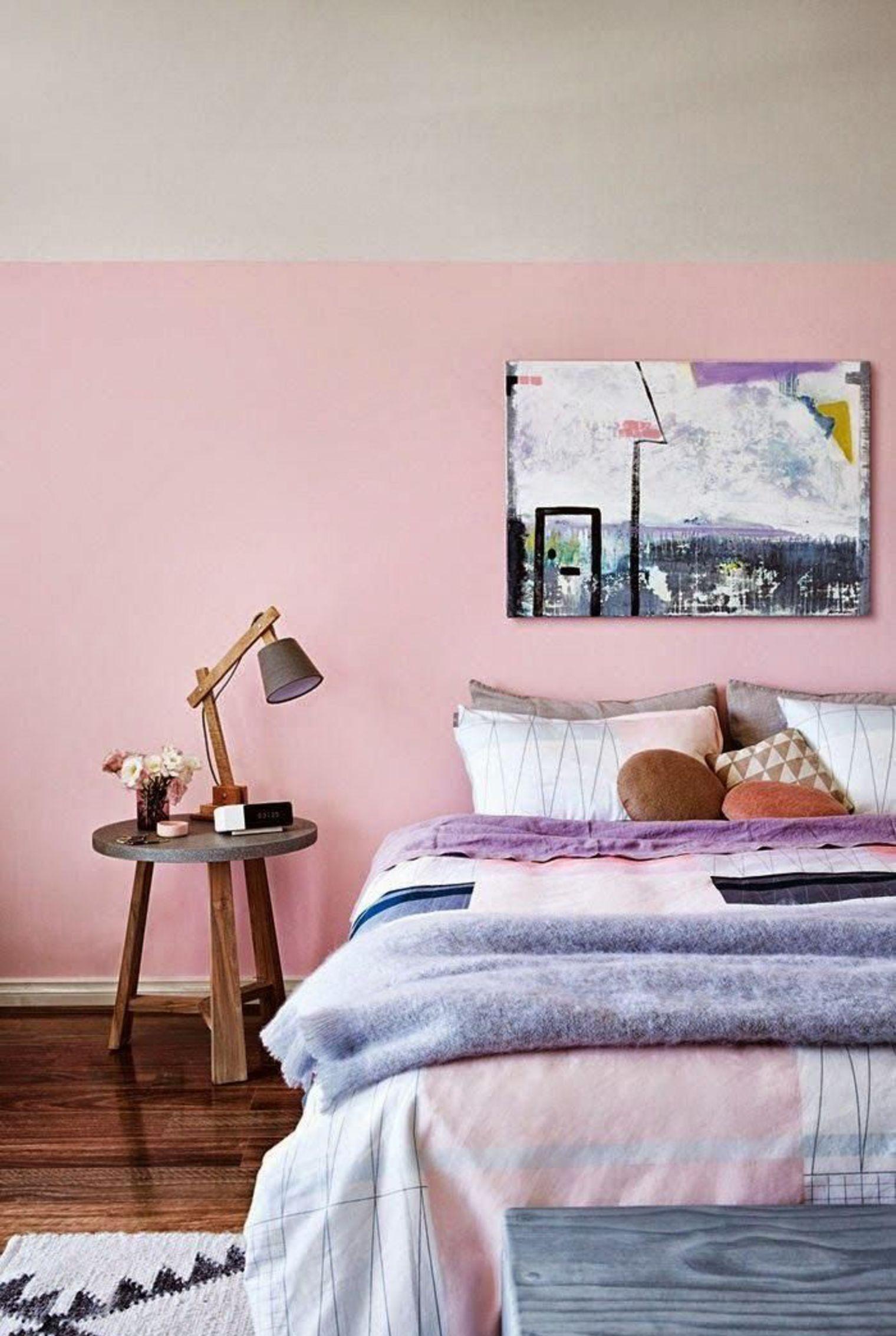 Дизайн спальни 18 кв м в розовом цвете