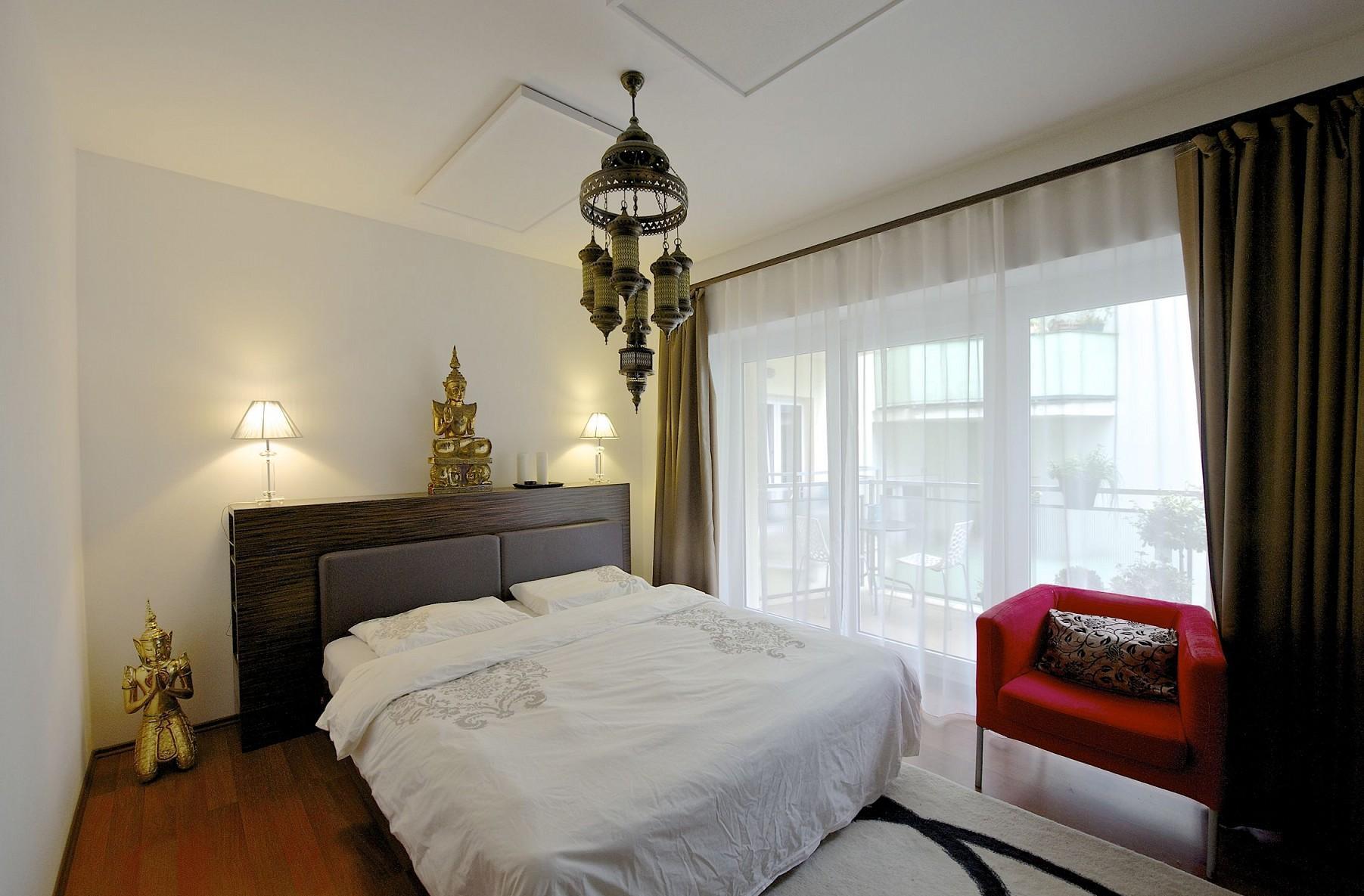 Дизайн спальни 18 кв м этнический