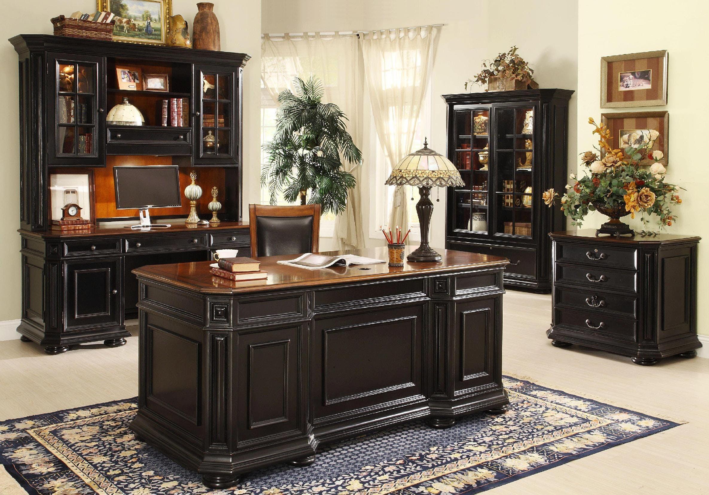 Дизайн интерьера кабинета руководителя в черном цвете