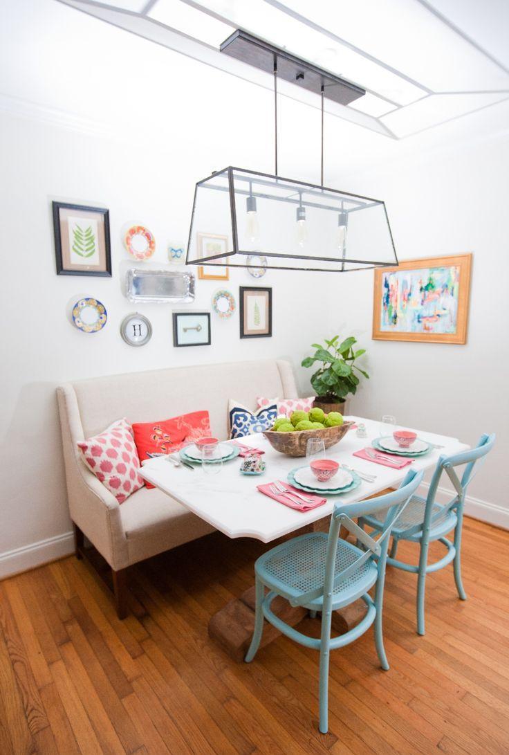 Кухня с двухместным диваном