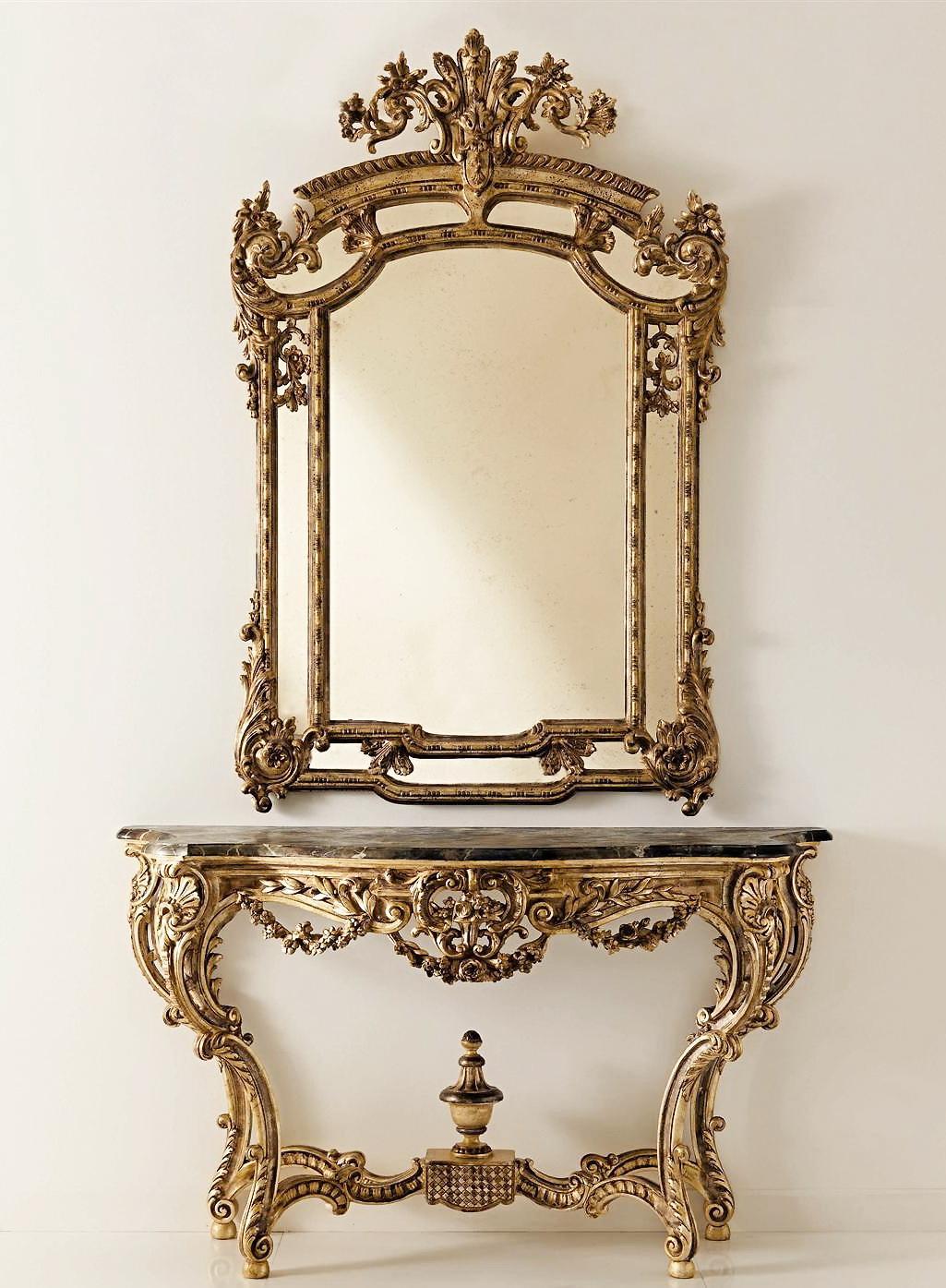 Роскошное классическое зеркало в прихожую