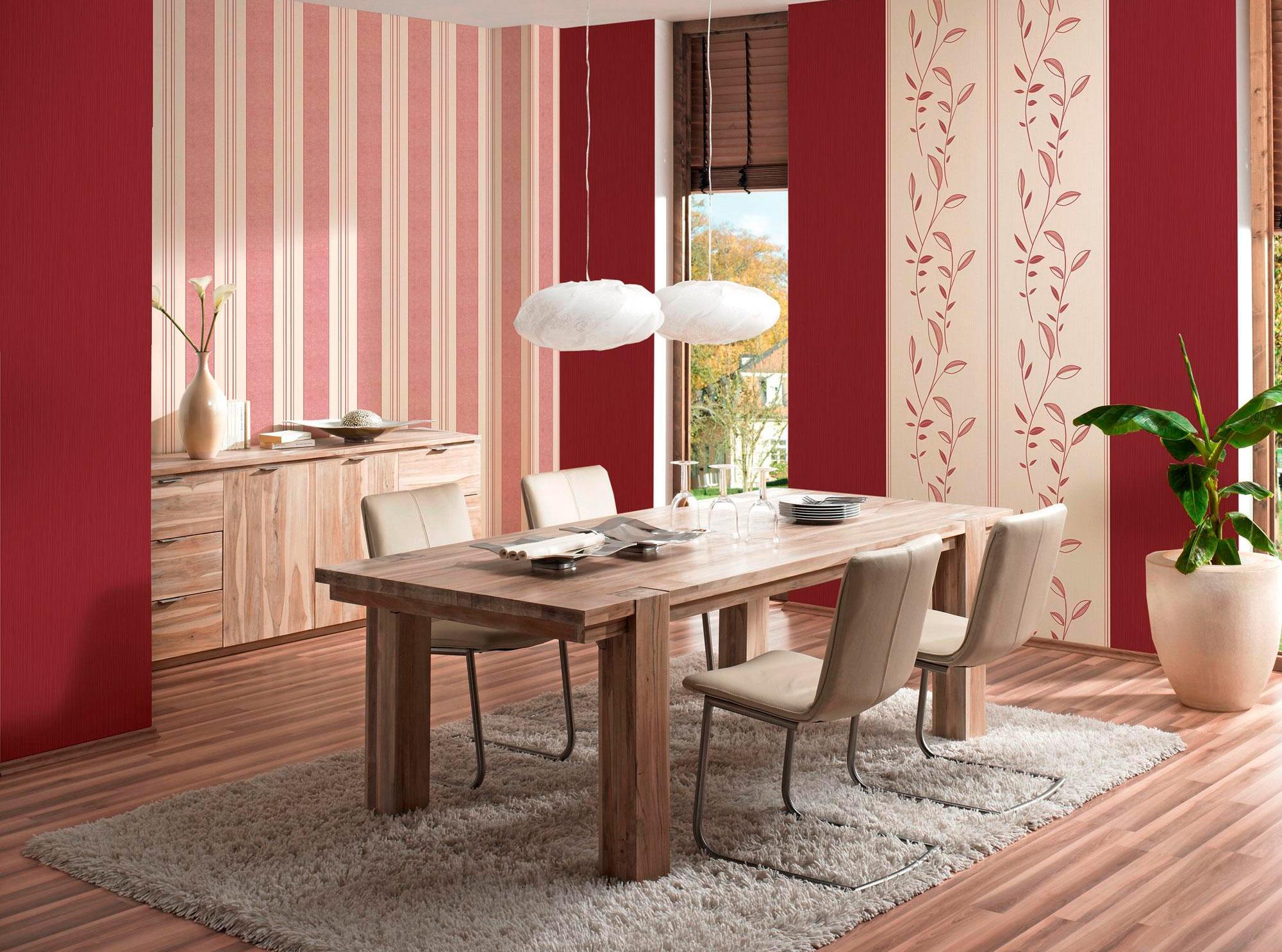 Кремово-красные полосатые обои в столовую и кухню