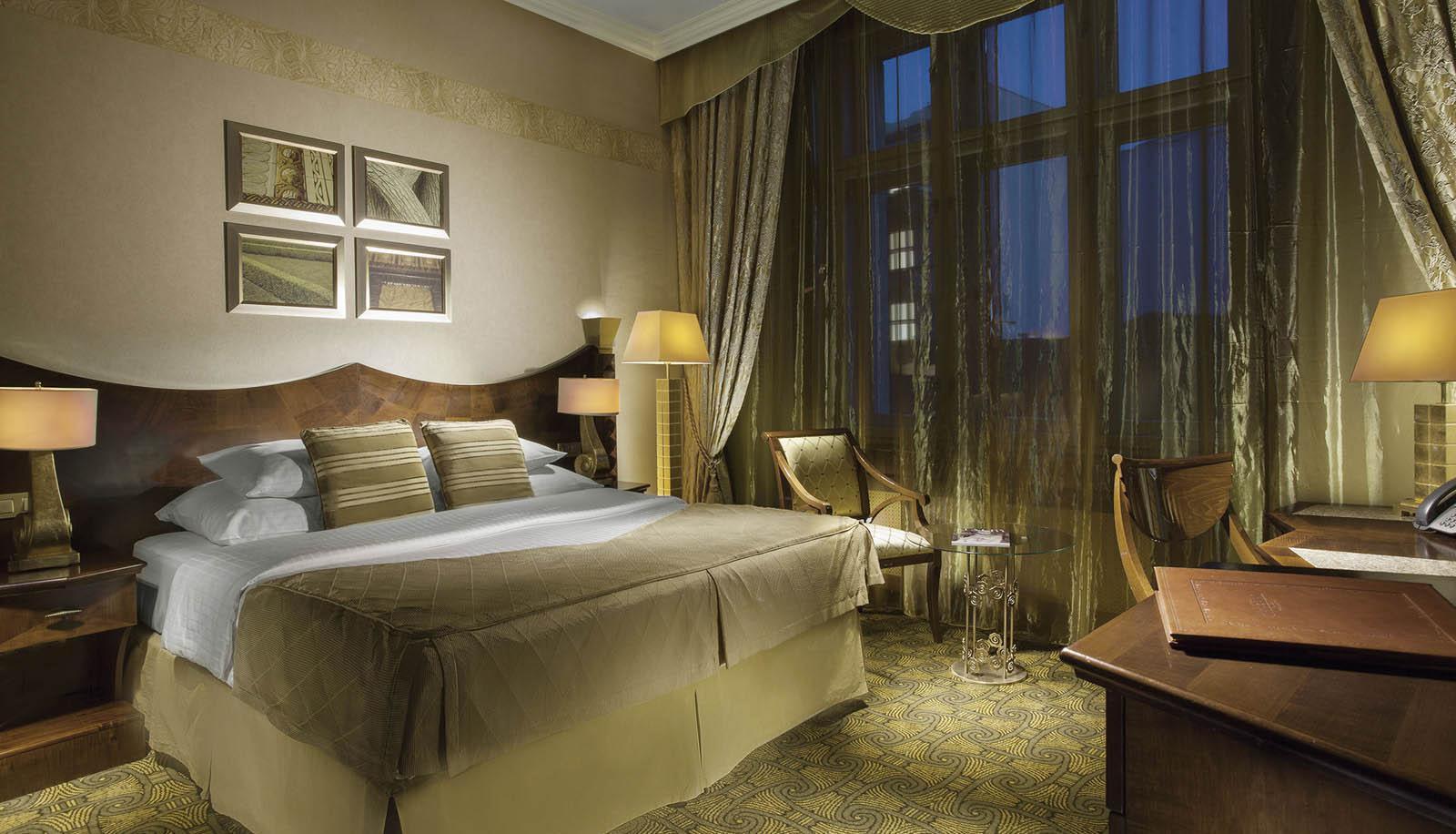 Дизайн спальни 18 кв м в стиле ар деко