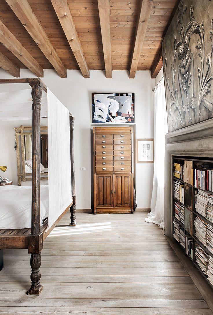 Итальянский стиль в интерьере с резной мебелью