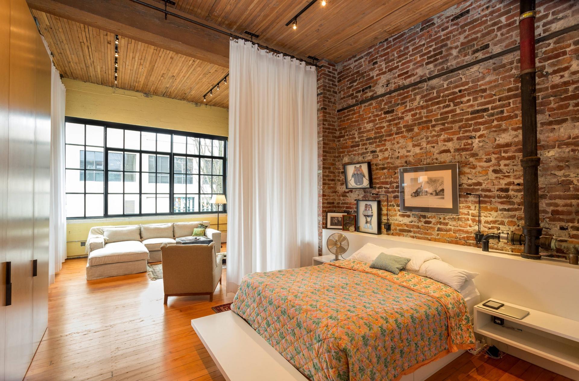 Ширма для совмещенной спальни и гостиной