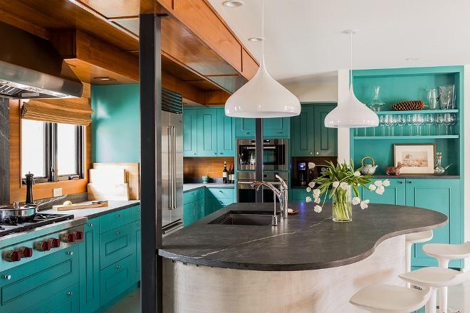 Голубая кухня в стиле ретро
