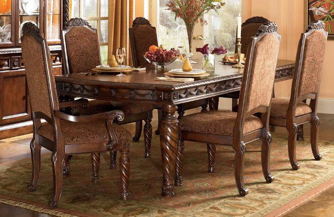 Столы из массива и стулья