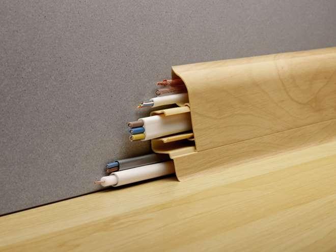 Укладка кабеля под плинтус