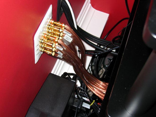 Укладка кабеля в стене