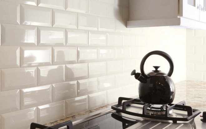 Кирпич в интерьере кухни