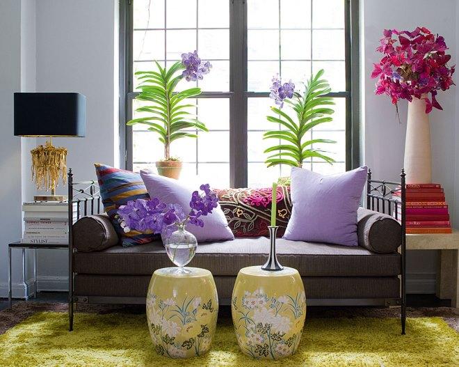 Живые цветы в интерьере