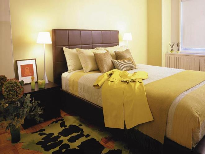 Немного каштанового цвета в спальне