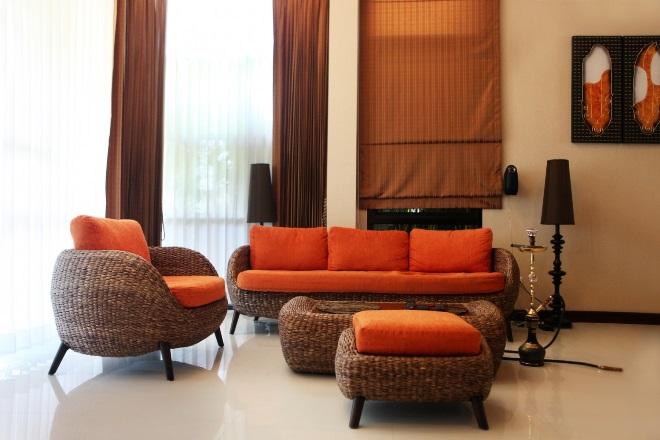 Цвет обожженной глины с оранжевым или терракотовым
