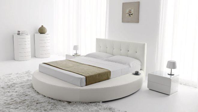 Кровати с изголовьем