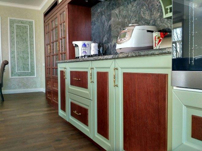 Как продлить срок службы кухонного гарнитура из массива: основные правила