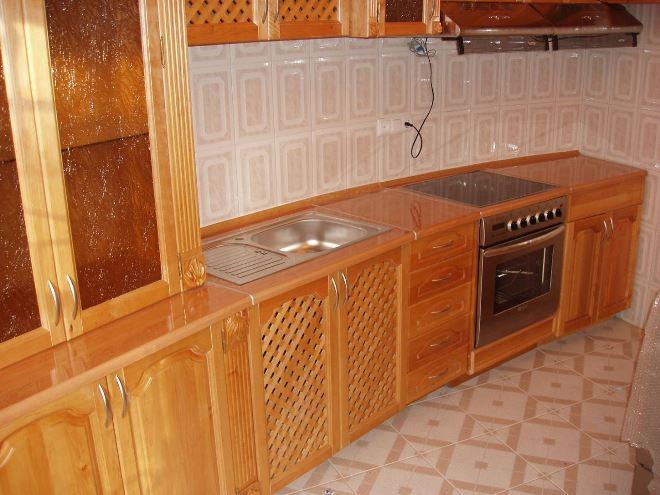 Кухни из ольхи: насыщенные и безопасные