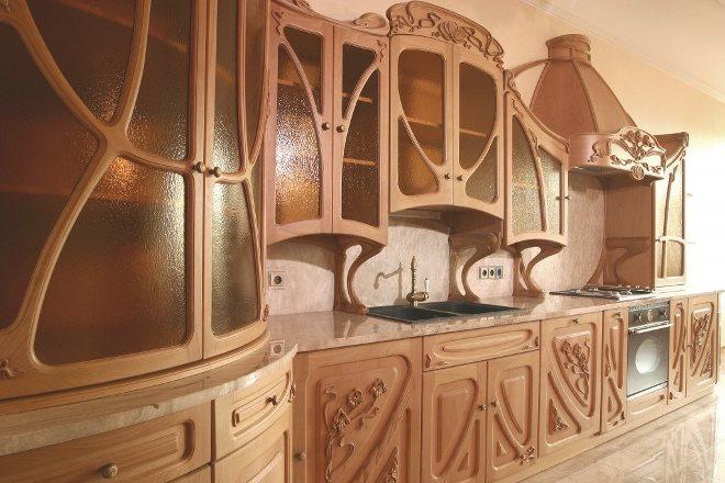 Резьба: благородное украшение кухни
