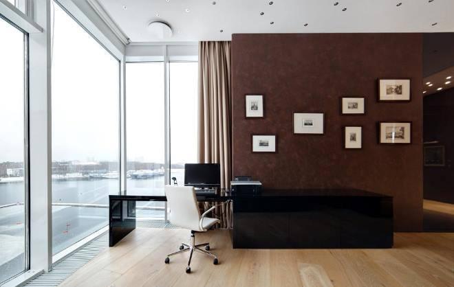 Кабинет с панорамными окнами