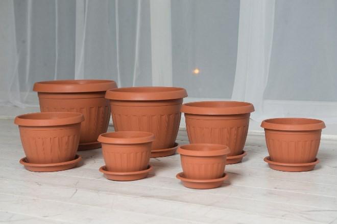 Пластиковые горшки для комнатных растений