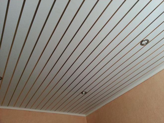 Выбираем материал для потолка на веранде