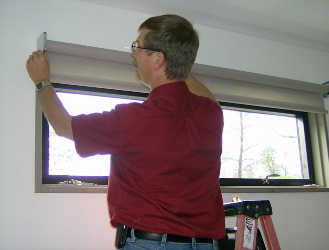 Рулонные шторы монтаж на стену
