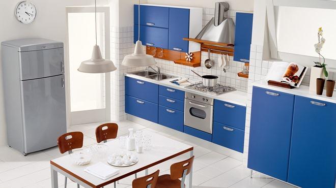 Сочетания цветов на голубой кухне