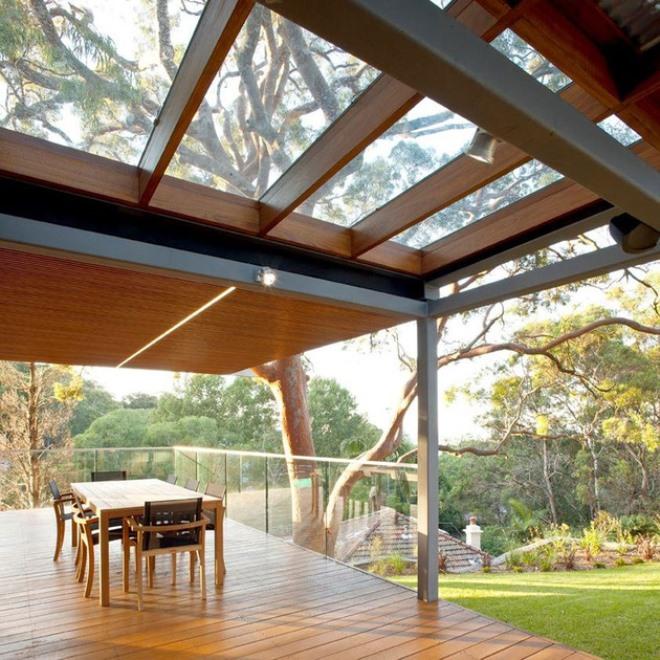Стеклянный потолок на веранде