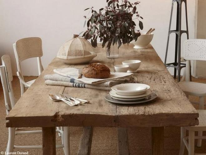 Стол для обедов и ужинов