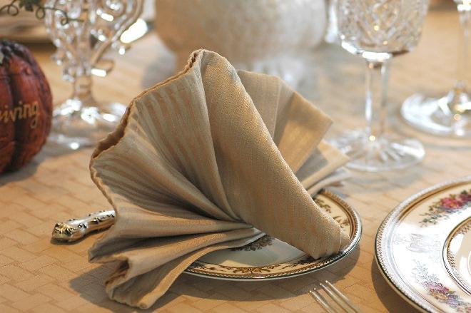 Способы раскладки салфеток в салфетнице