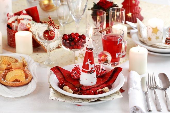Украшаем салфетками стол к празднику