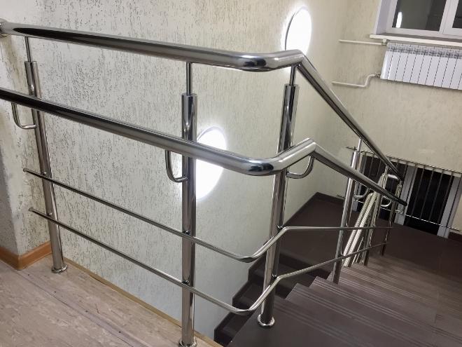 >Безопасные лестничные ограждения
