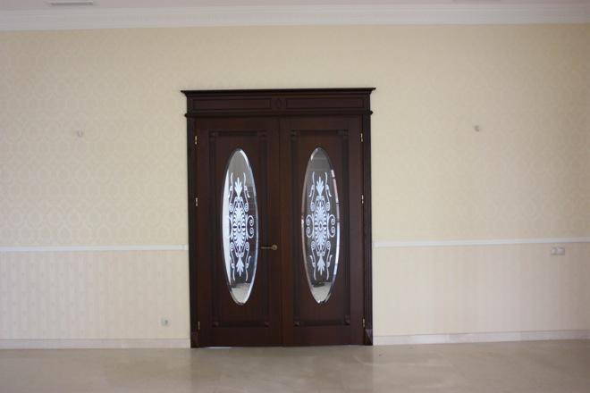 Цветовая палитра дверей со стеклом