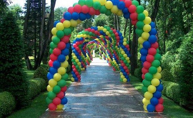 Декор шарами на улице