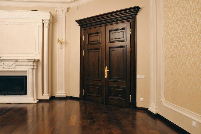 Двери из массива дерева