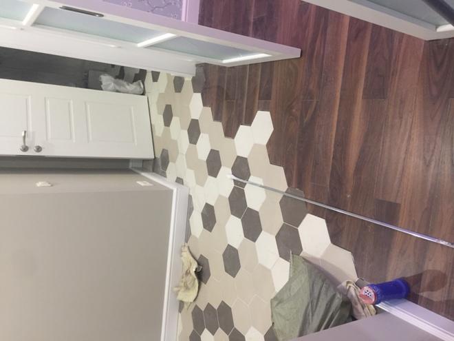 Комбинирование ламината с плиткой в прихожей