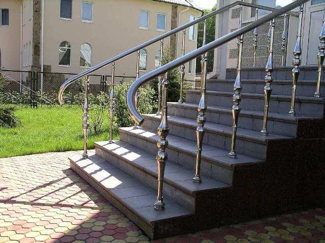 Лестничные перила наружные для крыльца