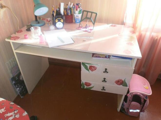 Обновляем старый письменный стол