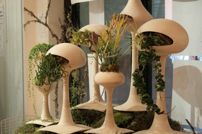 Оригинальные идеи дизайна подставок под цветы