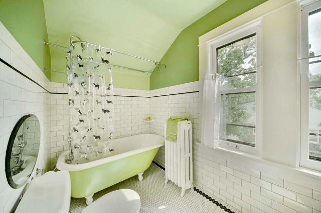 Покраска стен ванной и декор