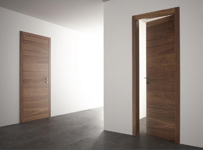 Шпонированные двери под орех