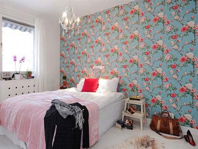 Выбор цветочных обоев в квартиру