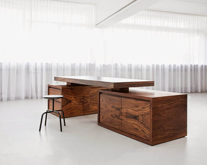 Компьютерные столы из массива