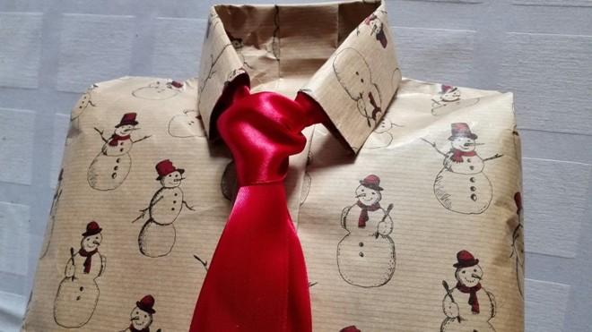 Красивая упаковка подарка для мужчины