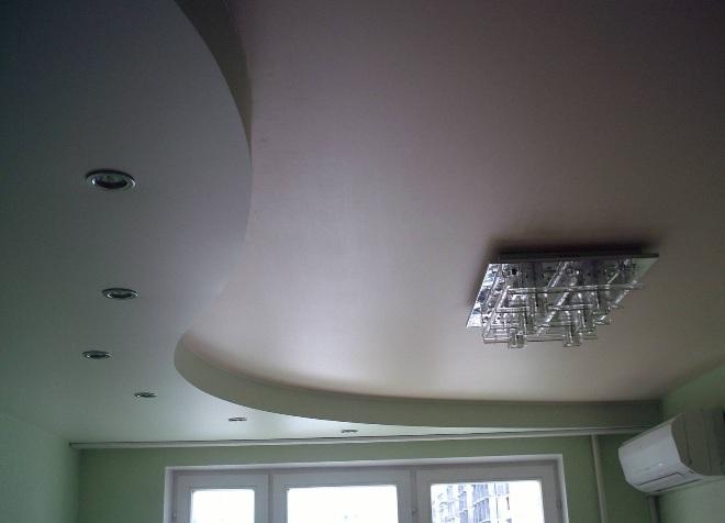 Одноуровневые потолки из гипсокартона для кухни