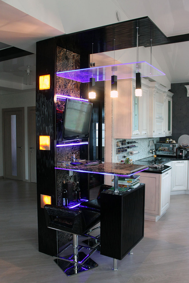 Подвесной телевизор на барной стойке или под потолком