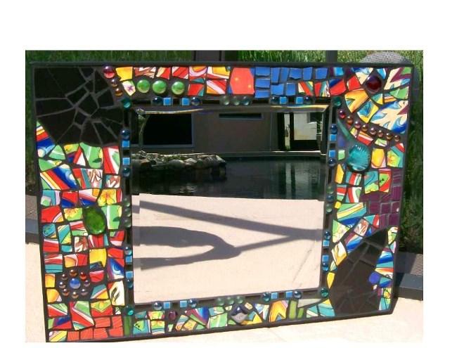 Рама из мозаики и плитки