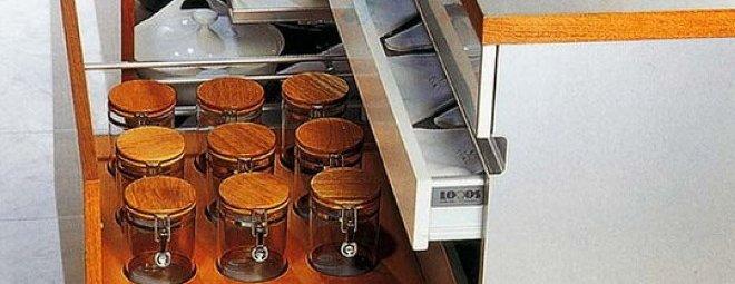 Системы хранения на кухне: практичные и доступные идеи